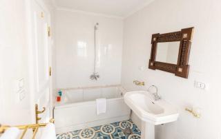 Privé badkamer aan boord van Dahabiya Nora